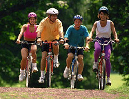 Fusión de bicicleta, senderismo y paddle surf